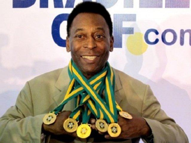 """Pelé afirma que se recupera """"bien"""" tras cirugía por tumor en el colon"""