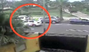 Miraflores: delincuentes se apoderan de avenida para robar autopartes