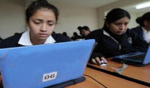 Donaciones que humillan: entregaron chatarra en vez de laptops