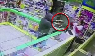 Trabajadora de farmacia frustra robo en Santa Beatriz