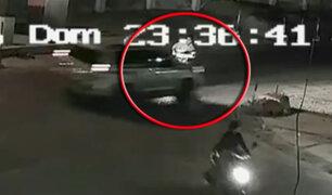 Cámaras captan choque entre camioneta y motocicleta en Ica