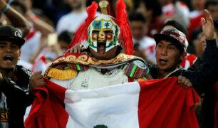 Los hinchas ya viven el partido entre Perú y Brasil