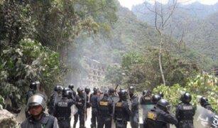 Cusco: un policía herido dejó segundo día de paro en Machu Picchu