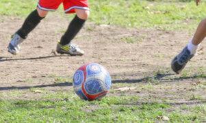Explosivo oculto dentro de una pelota de fútbol mata a un niño