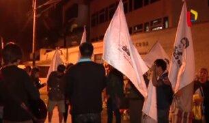 Rinden homenaje a Fidel Castro en embajada de Cuba en Lima