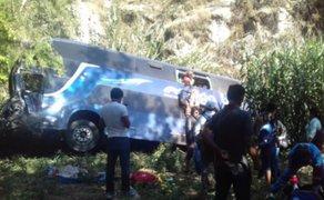 Ayacucho: se incrementa a 5 el número de muertos tras choque de bus y camioneta