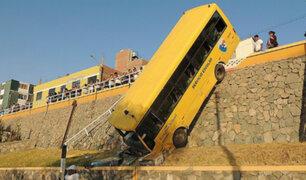 Moquegua: 13 escolares resultaron heridos tras volcadura de bus escolar