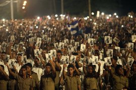 Cuba: multitudinario homenaje a Fidel Castro