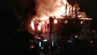 Turquía: 12 alumnas pierden la vida tras incendio en residencia estudiantil