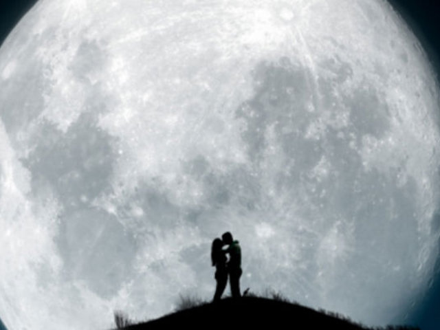 ¿Realmente la 'Superluna' influye en el comportamiento de las personas?