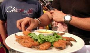 Limeños se someten al picantísimo reto del 'cangrejo bomba'