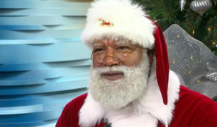Un Santa Claus negro se presenta por primera vez en el centro comercial más grande de Estados Unidos [FOTOS]