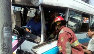 La Molina: choque de cúster deja 10 personas heridas