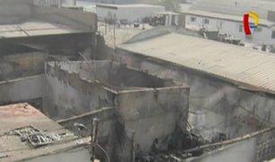 Así quedó la fábrica de pinturas de Ate tras incendio