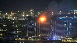 Dubái: incendio consume lujoso edificio de isla artificial