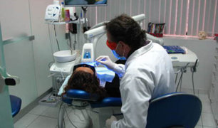 FOTOS: falso odontólogo extrae a paciente diez dientes sin anestesia
