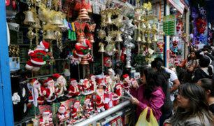 En busca de los mejores adornos para esta Navidad