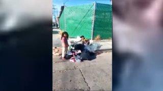 Indignación en México por niños que comen de la basura ante indiferencia de autoridades