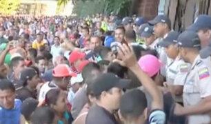 Venezuela: violentas protestas y saqueos por falta de dinero
