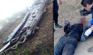 Abancay: al menos 12 policías muertos tras caída de bus a un abismo
