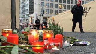 Fallecidos en atentado terrorista en Berlín son homenajeados