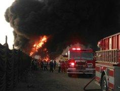 Callao: cisterna que transportaba aceite industrial se incendió dentro de fábrica
