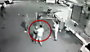 Policías golpean a comerciante en República Dominicana