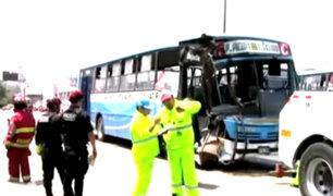 Más de 15 heridos dejó choque de buses en la Panamericana Sur