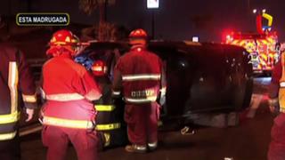 Taxista resulta herido tras volcar su auto en la Panamericana Sur