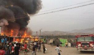 VES: incendio consumió al menos 30 viviendas