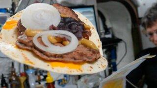 Esta es la receta de una hamburguesa espacial que se hizo viral en Facebook