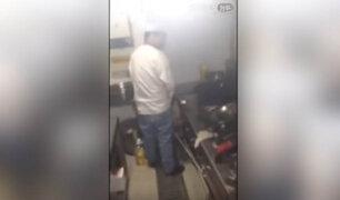 VIDEO: captan a chef orinando en cocina de restaurante