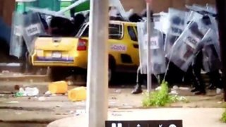 México: conductor atropella a grupo de policías durante protestas por 'gasolinazo'