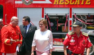 Lince: donan moderno vehículo a los bomberos