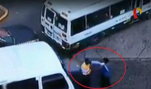Santa Anita: cobrador de cúster se pelea violentamente con inspector