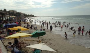 Piura: playa de Máncora es declarada no apta para bañistas
