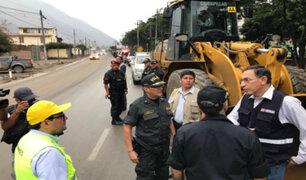 Restablecen tránsito en Carretera Central tras caída de huaico