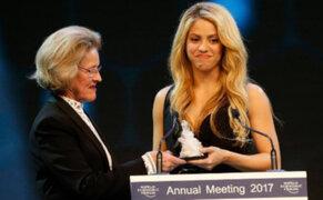 Shakira recibió galardón en Suiza por su apoyo a la educación