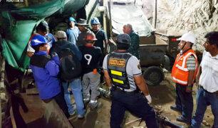 Acarí: rescatan cuerpo de minero y seis siguen atrapados en socavón