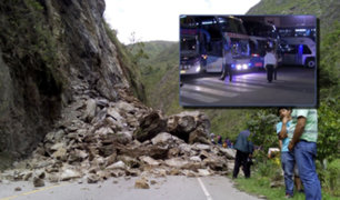 Carretera Central bloqueada: buses siguieron operando pese a huaicos