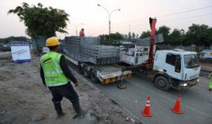Huaycoloro: limpian vías e inician trabajos para colocación de puente