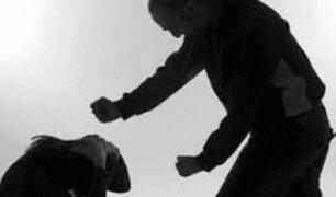 Niña muere tras ser golpeada por su profesor al no saber leer