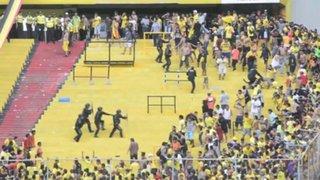Ecuador: brutal pelea durante partido de fútbol deja más de 40 heridos