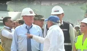 Presidente Pedro Pablo Kuczynski inspecciona obra de puente en río Huaycoloro