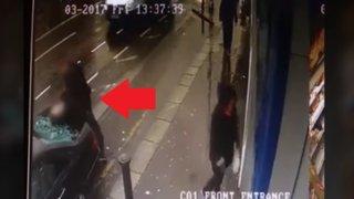 Polémica en Irlanda por policía que golpea brutalmente a un detenido