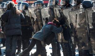 Continúan las protestas por joven violado en Francia