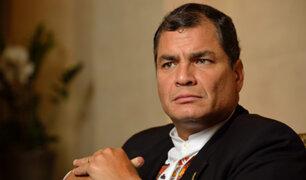 """Correa cuestiona """"entreguismo"""" de Ecuador por detener construcción de muro"""