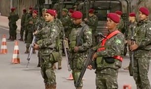 Militares toman las calles de Río de Janeiro a pocos días del carnaval
