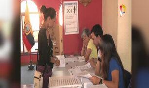 Ecuatorianos en Lima acudieron a votar para elegir nuevo presidente
