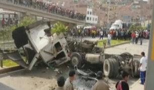 Motociclista muere tras caída de container en medio de Av. Gambetta
